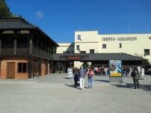 Front der Eingänge zum Aquarium und Tierpark Hagenbeck