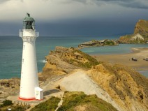 Foto eines Leuchtturmes an der Küste