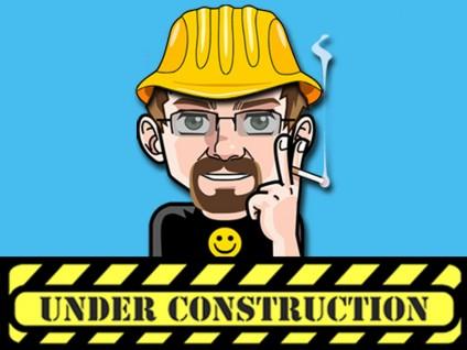 Mein Alter Ego mit Bauhelm und einem Schild: Under Construction