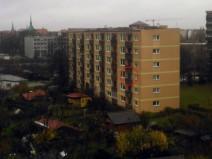 Foto vom neuen Balkon aufgenommen und den alten im Bild markiert