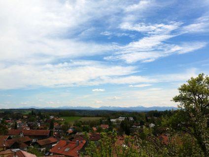 Foto mit den Alpen am Horizont