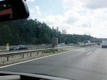 Foto vom Berliner Bären an der Autobahn A9 auf der Umzugsfahrt